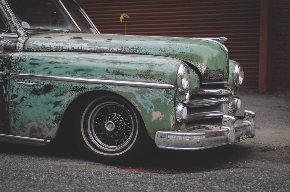 汚れている車